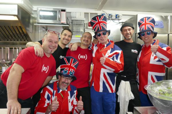 [ID: 15527] ...as does the kitchen staff... (credit: Gordon Howell (Pole Position Travel))
