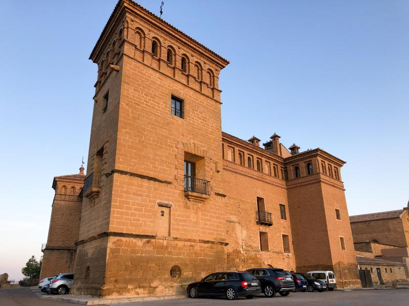 (ID: 20877) The famous Parador - castle dominating the Alcaniz skyline. We stay here!