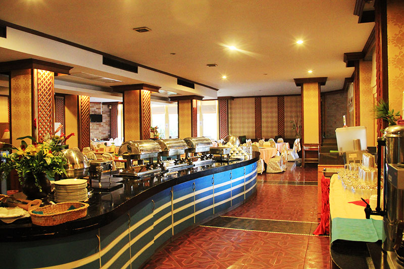 The restaurant at the hotel - great breakfast buffet of Western and Oriental food